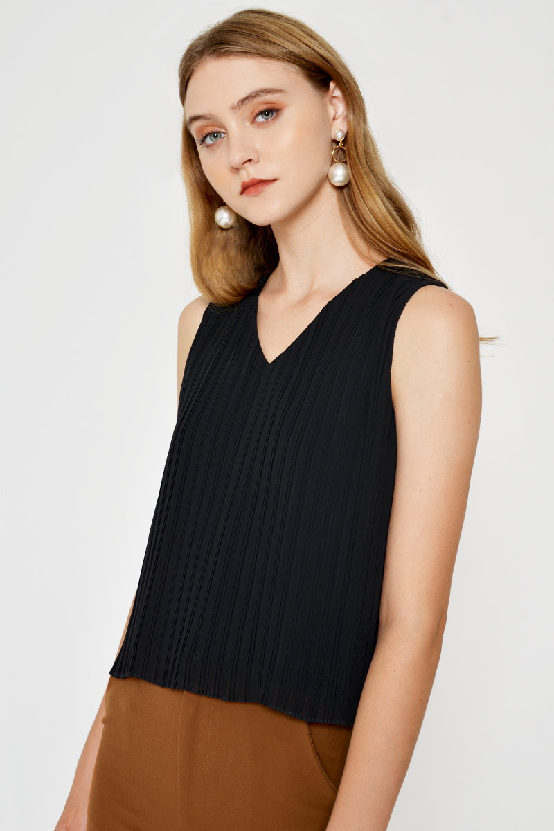 LEAH PLEATED TOP
