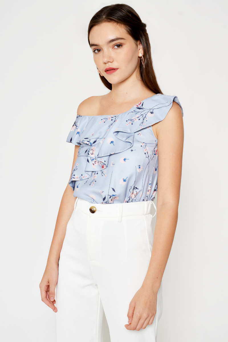 ITZELL FLORAL RUFFLE LAYERED TOGA TOP