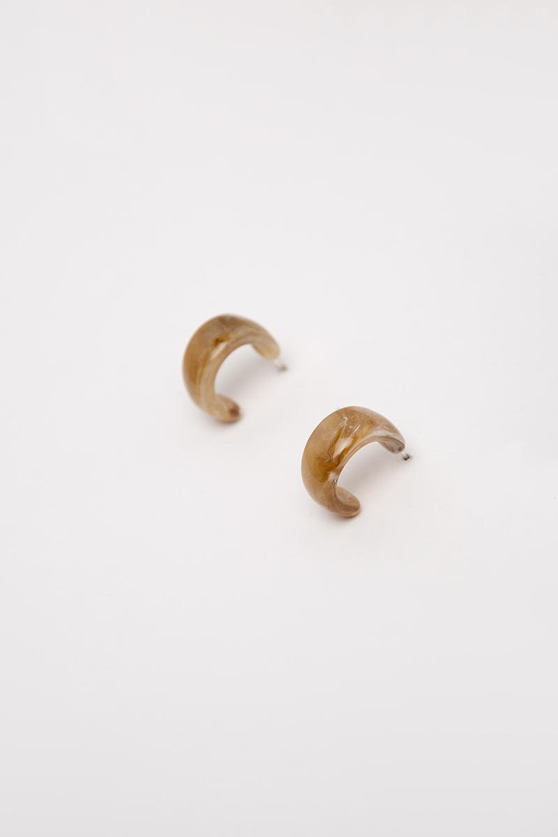 MARBLE C-SHAPED RESIN EARRINGS