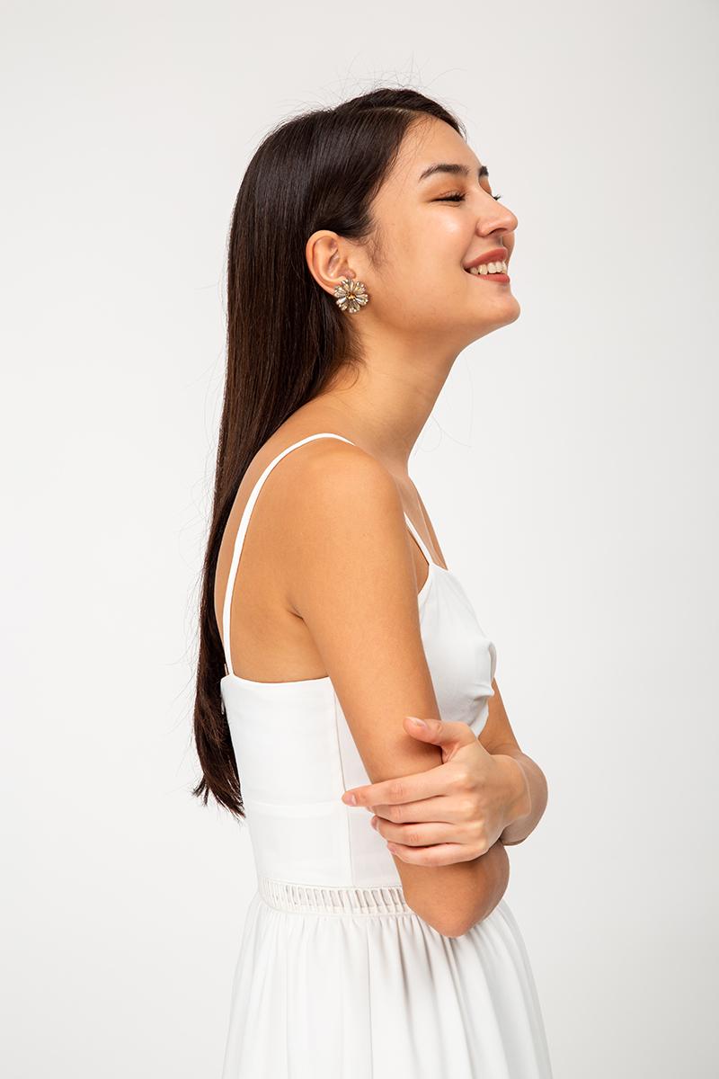 DAZZIE FLORAL EARRINGS