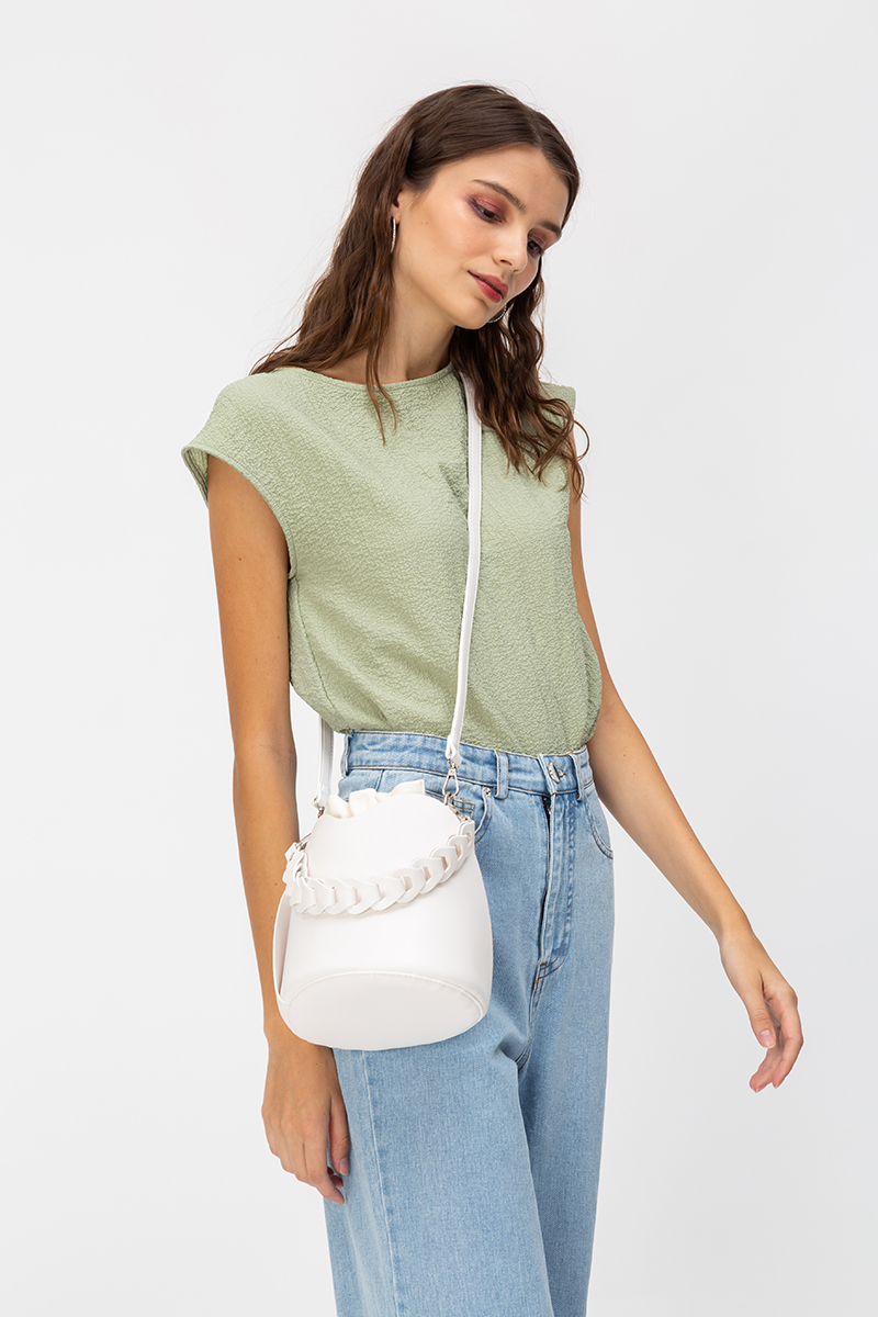 ORIA CHAIN HANDLE BUCKET BAG