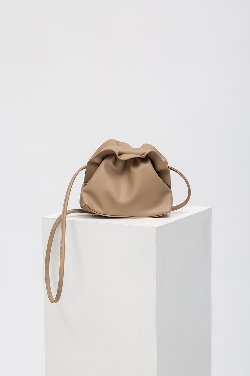 POCKI RUFFLE DUMPLING BAG