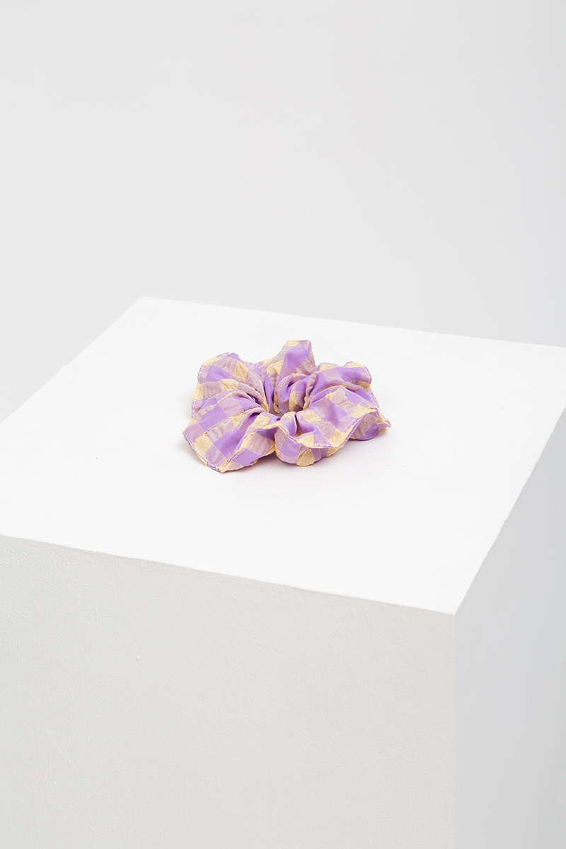 (SINGLE) TEXTURED GINGHAM SCRUNCHIE