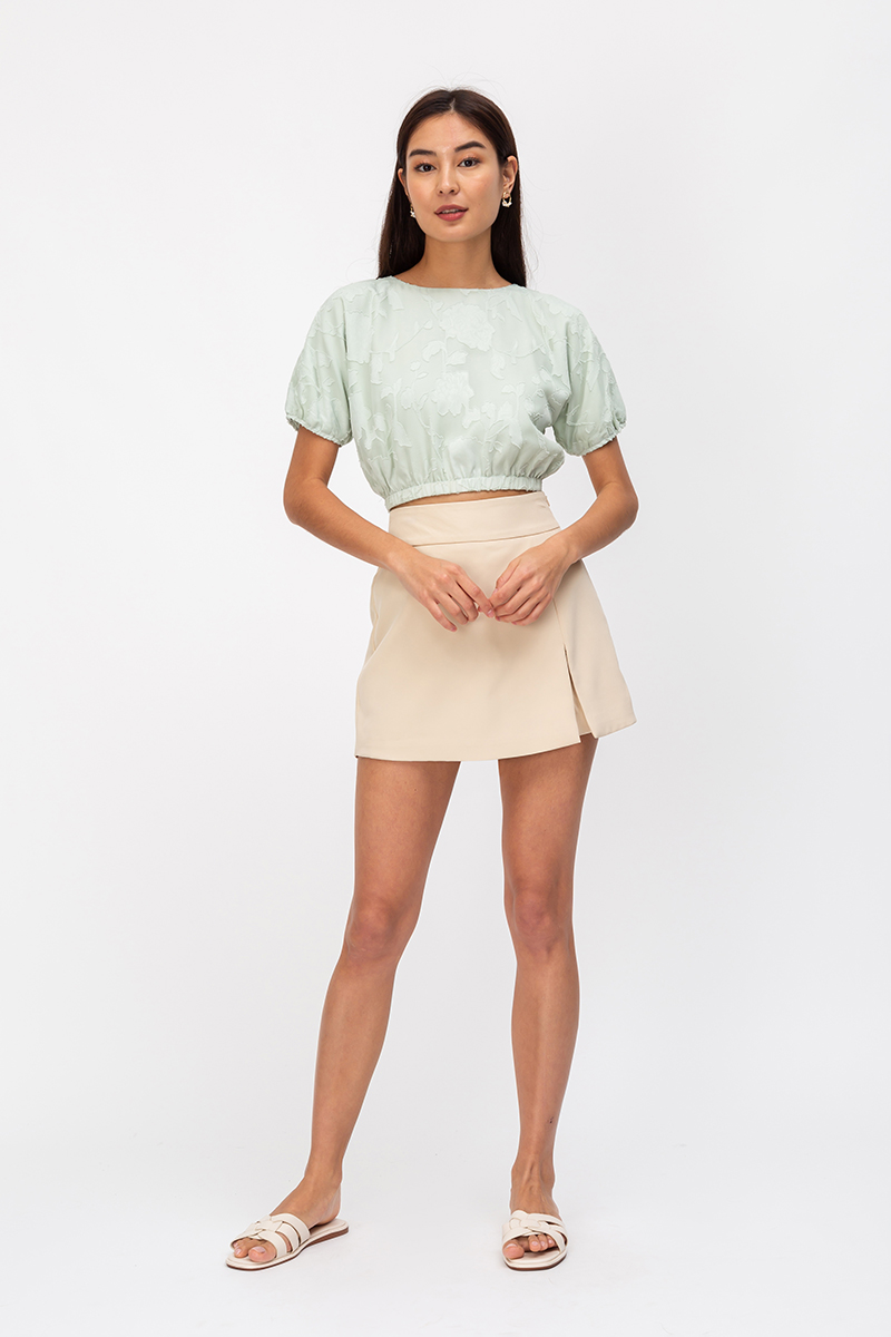 TIFFANY FLORAL TEXTURED PUFF SLEEVE TOP